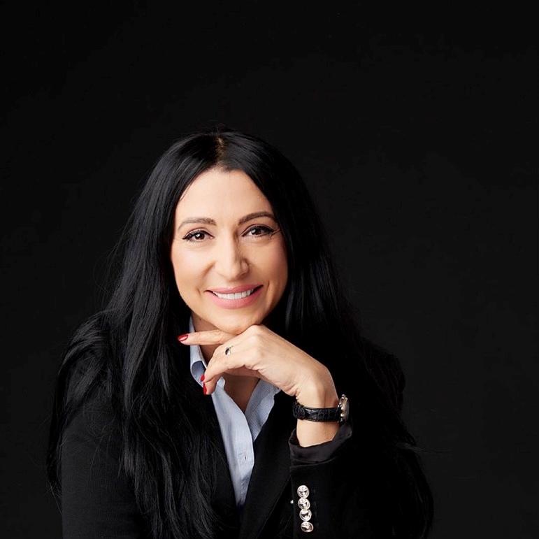Gabriela Stănică - Carrefour